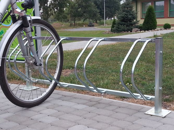 Karat Vertical Bike Parking Stand Bicycle Stands And Racks